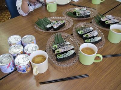 20110426_こいのぼり飾り巻き寿司 (2)