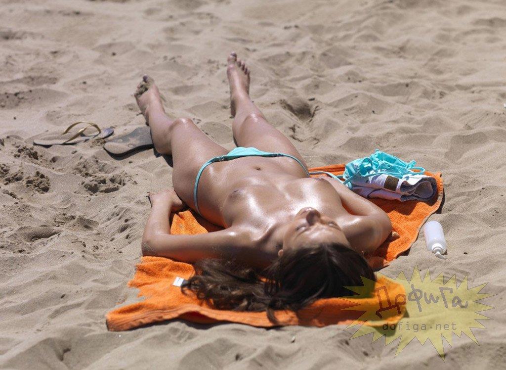 nude_beach06.jpg