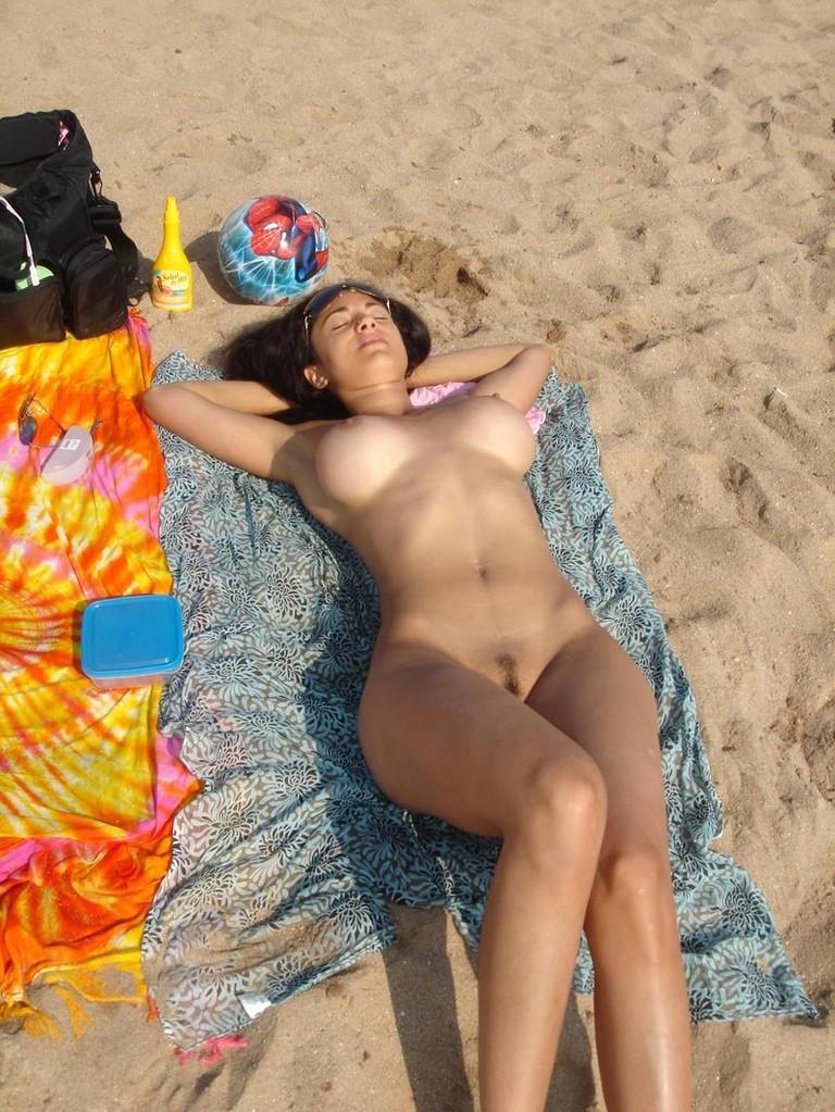 nude_beach30.jpg