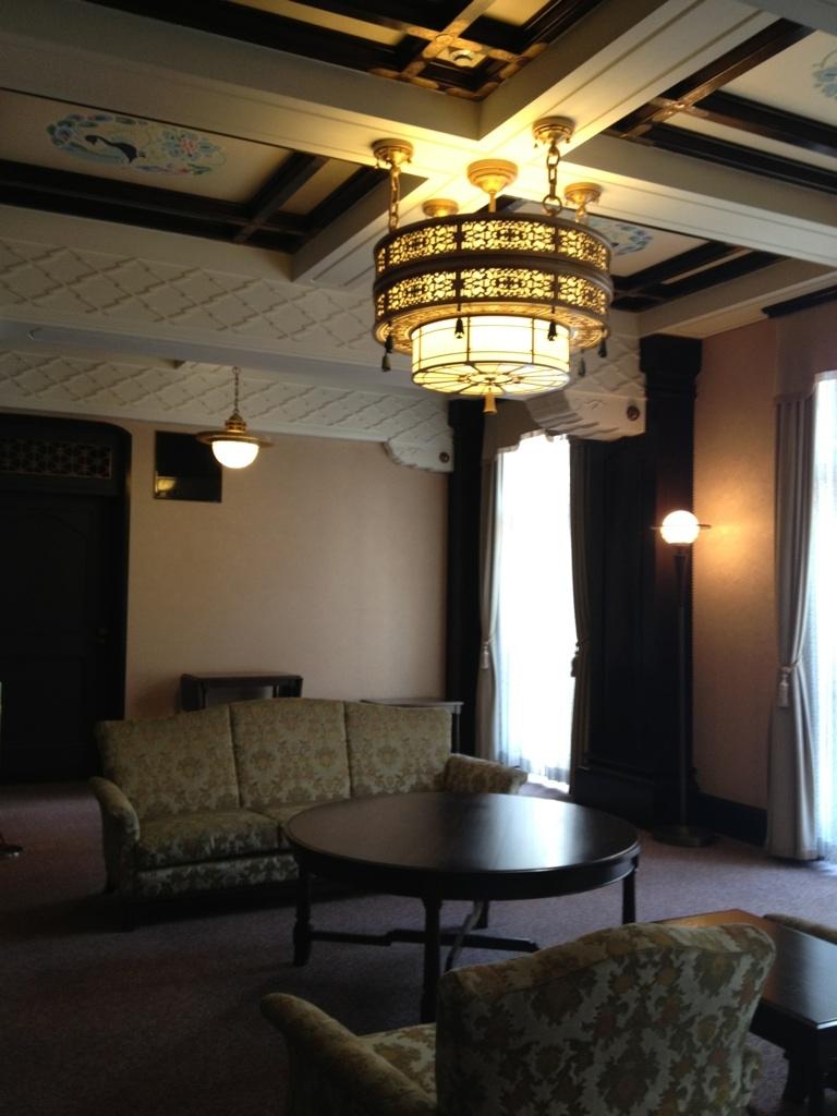 横浜情報文化センター旧貴賓室