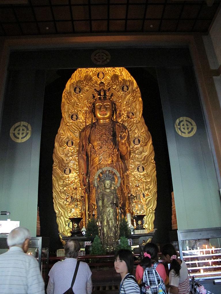十一面観音像…頭の上に十一の顔を持つ観音菩薩