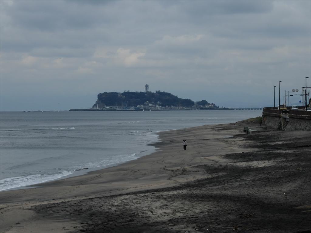 右には江ノ島_2
