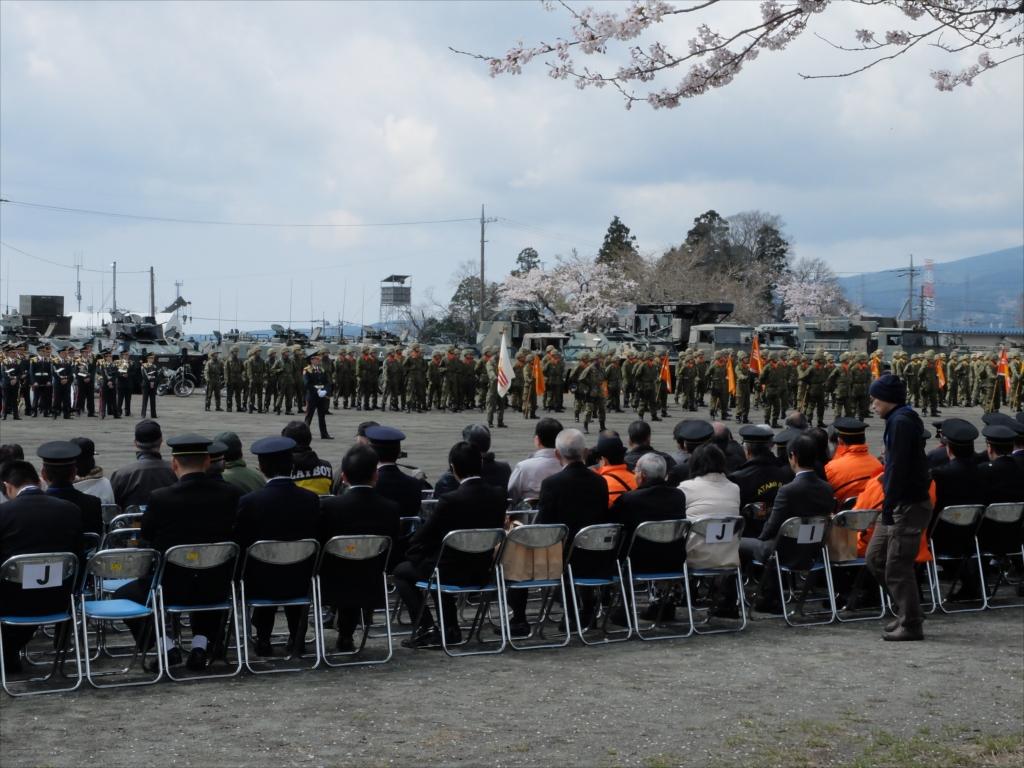 指揮官も含めて整列して、式典の準備体制が整った_2
