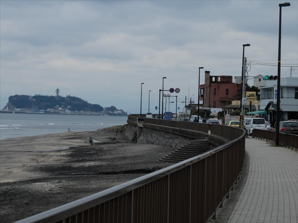 場所的には稲村ヶ崎駅を少し過ぎただけの辺り_1