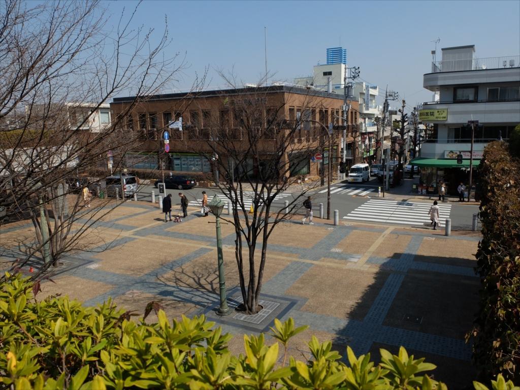 駅前の様子_5