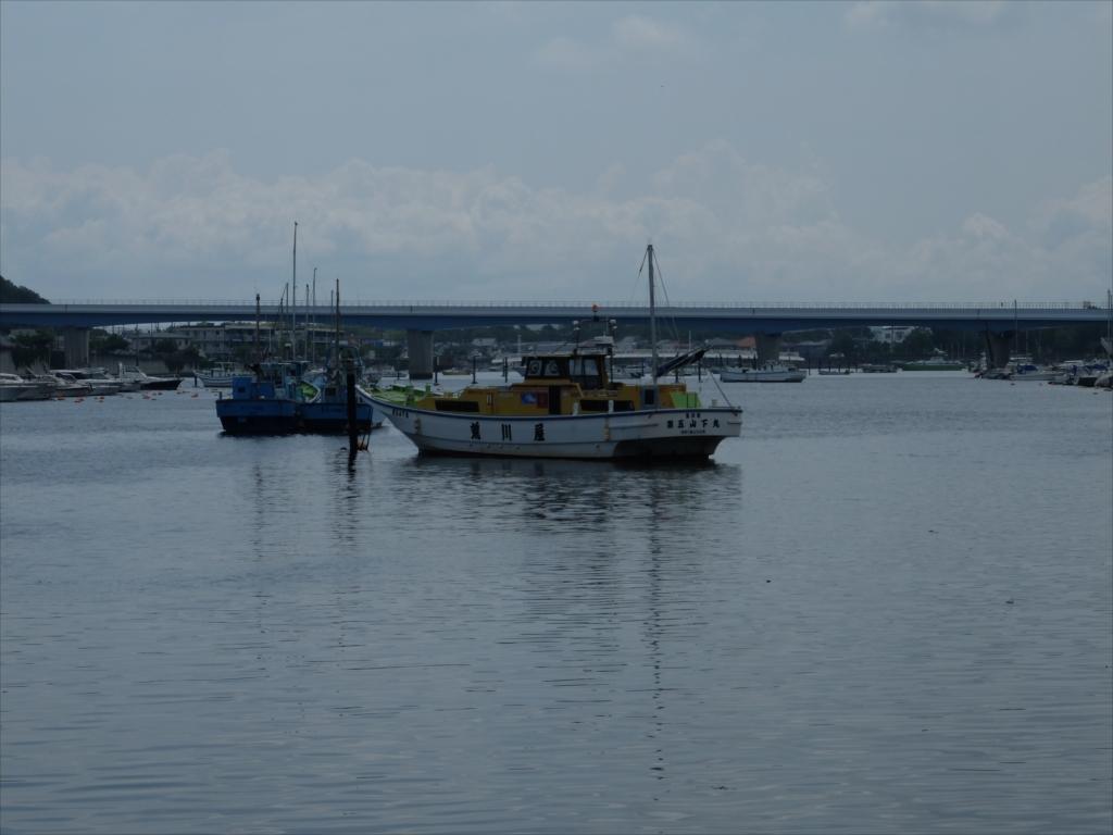 漁船や釣り船がたくさん_1