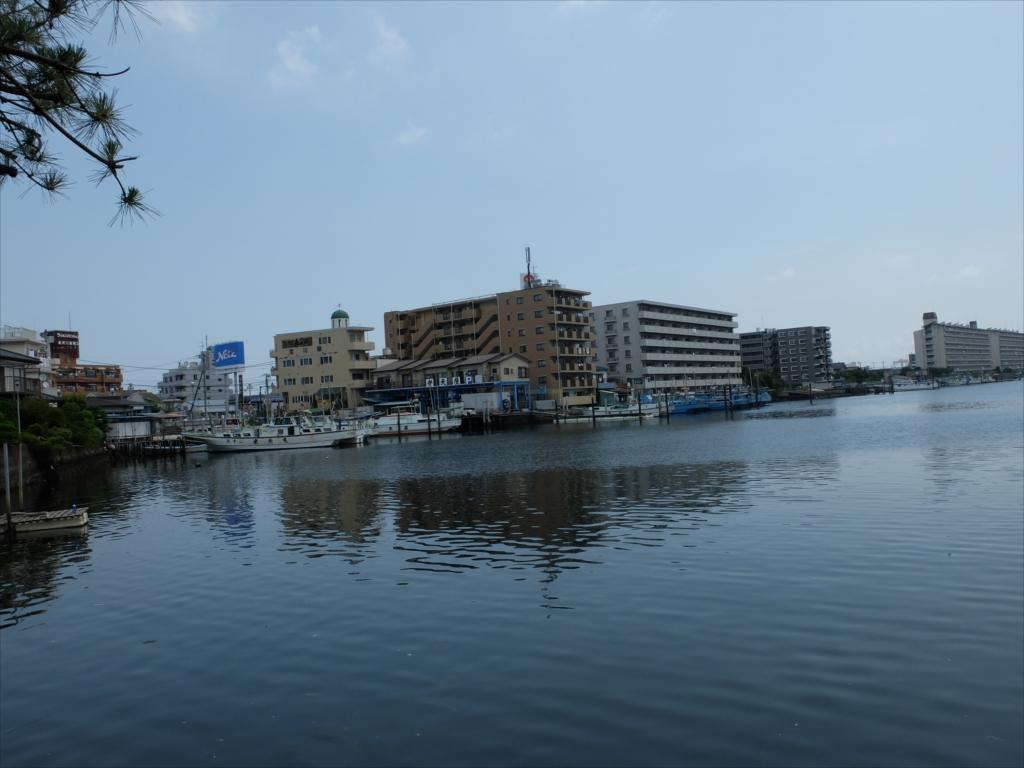 漁船や釣り船がたくさん_3