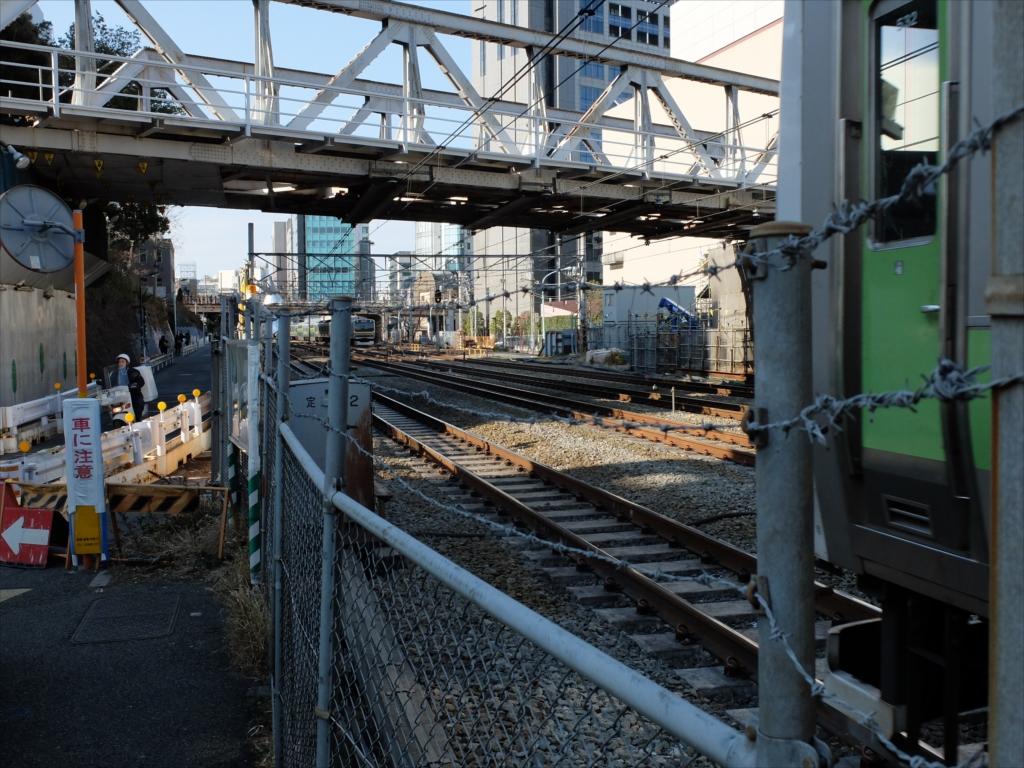 JR線路を超える_4