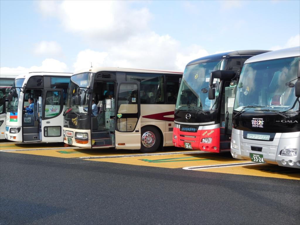 ズラリと並んだ観光バス