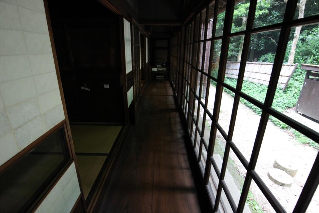 イマ・ブツマ前の廊下