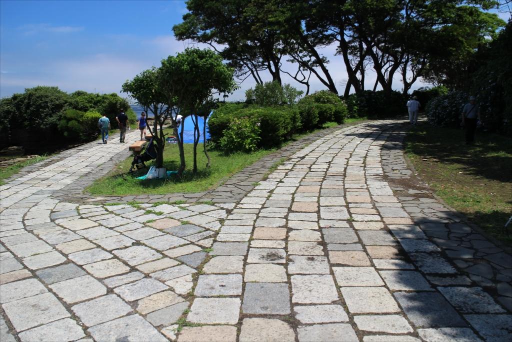 石畳の道を歩く_10