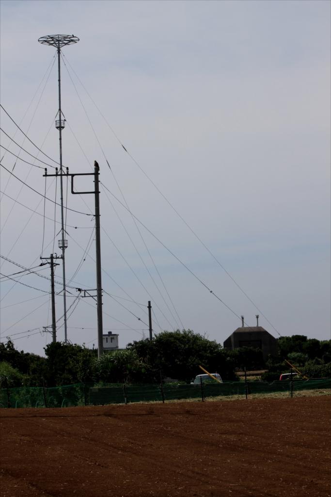 漸く中波無線標識局の全貌が