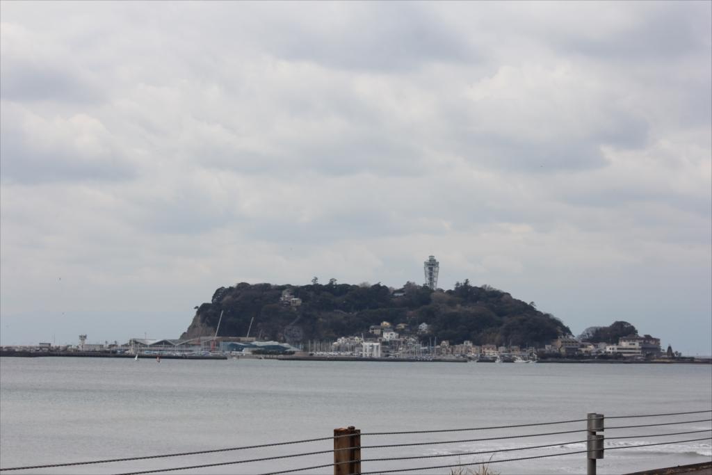 江ノ島が一段と近く見える