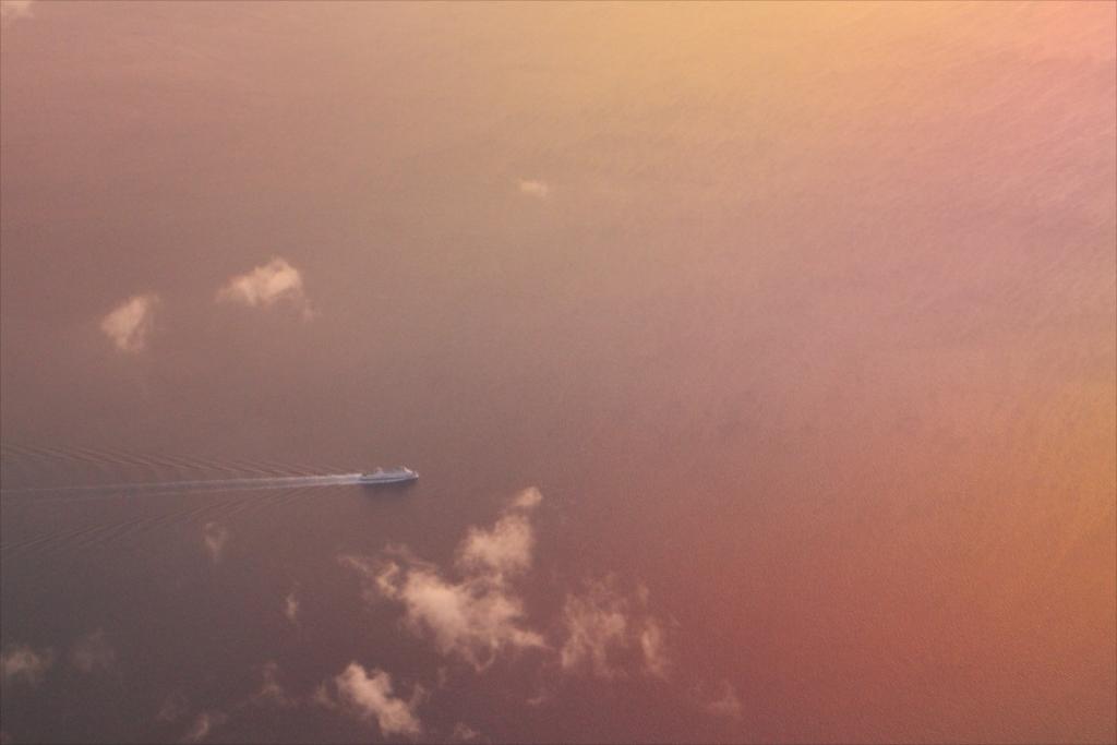 青函海峡が見えて、航行する船も見えた_1