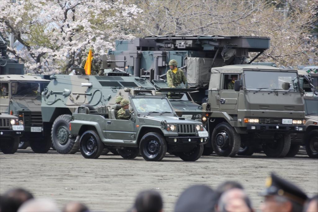 パレード参加のための各種車両の大移動_6