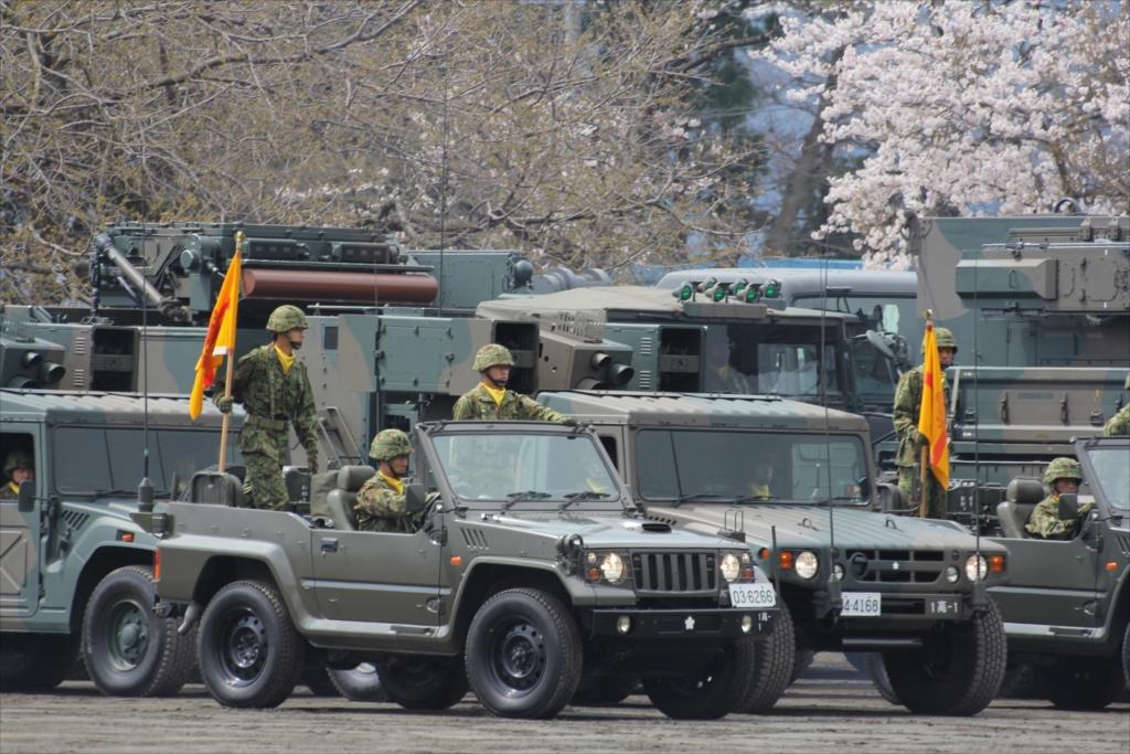 パレード参加のための各種車両の大移動_11