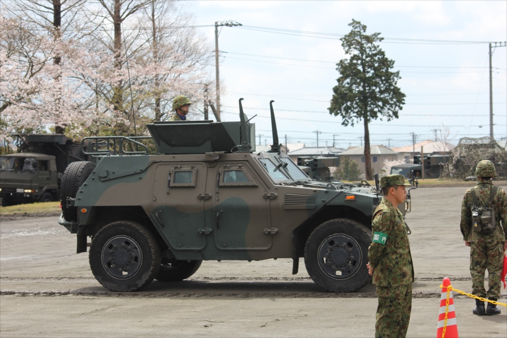 軽装甲機動車_1