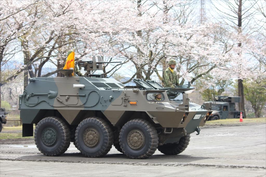 82式指揮通信車_2
