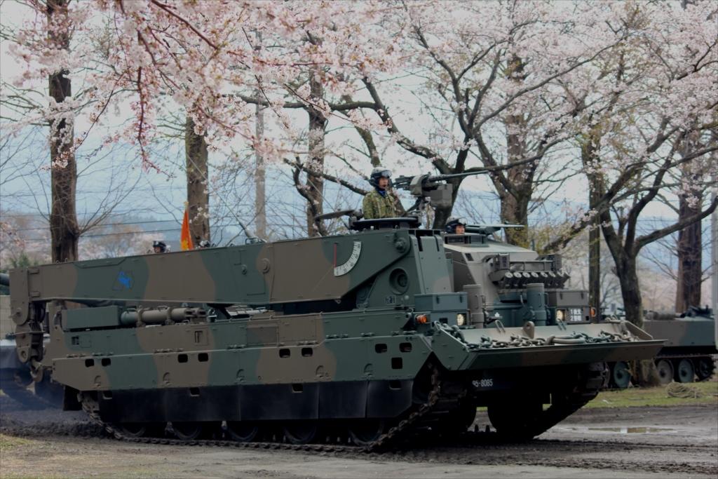 90式戦車回収車_1