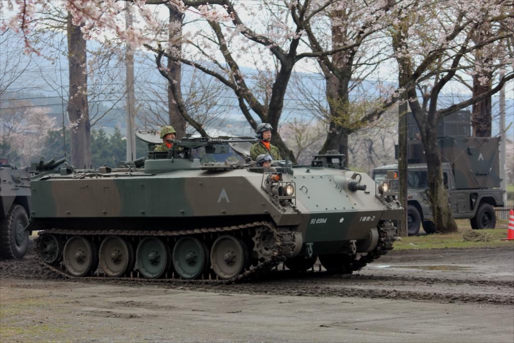 73式装甲車_1