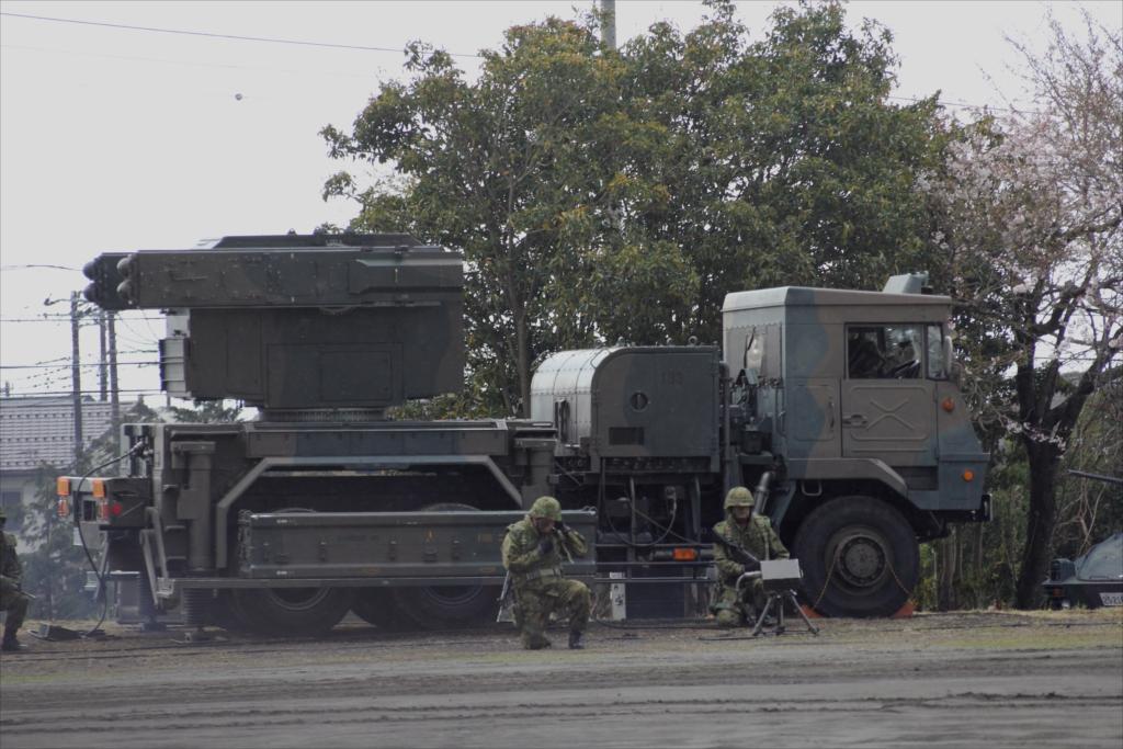 81式短距離地対空誘導弾(C)と発射装置搭載車両_1