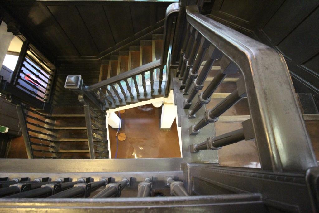 中央階段の様子