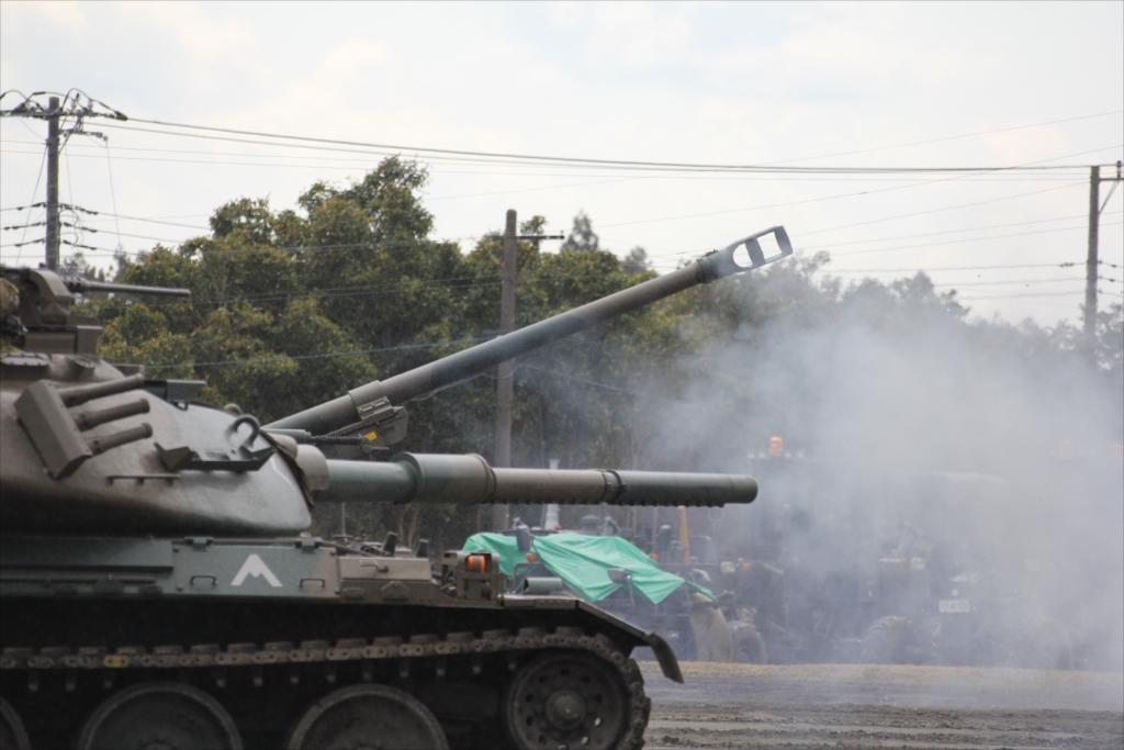 再度戦車の登場_6