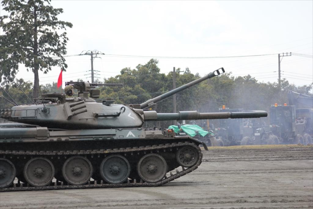 再度戦車の登場_8