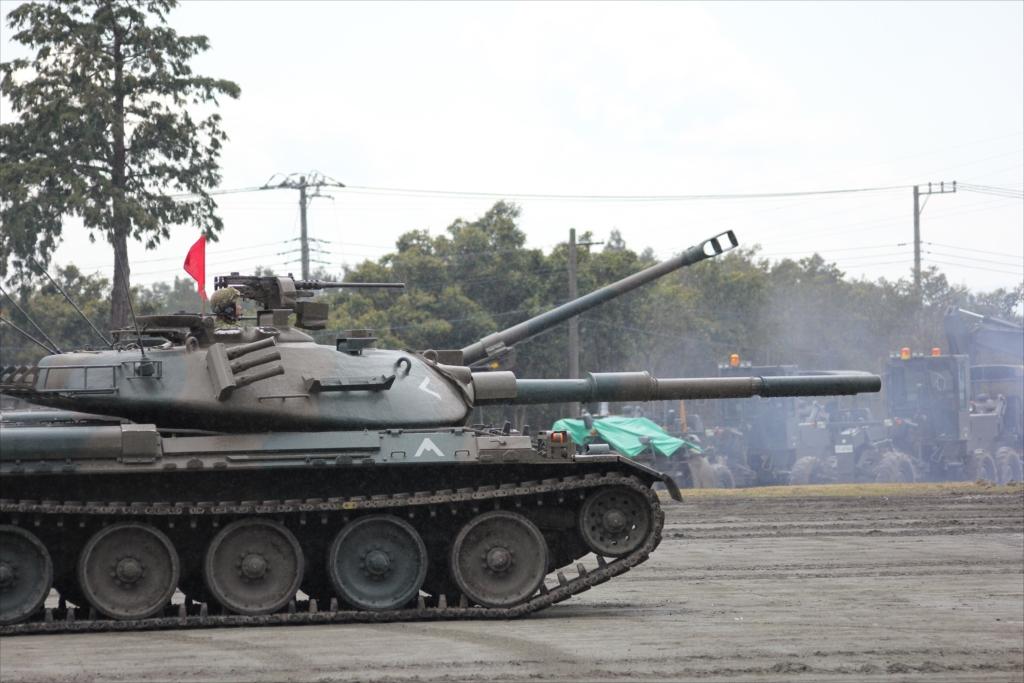 再度戦車の登場_9