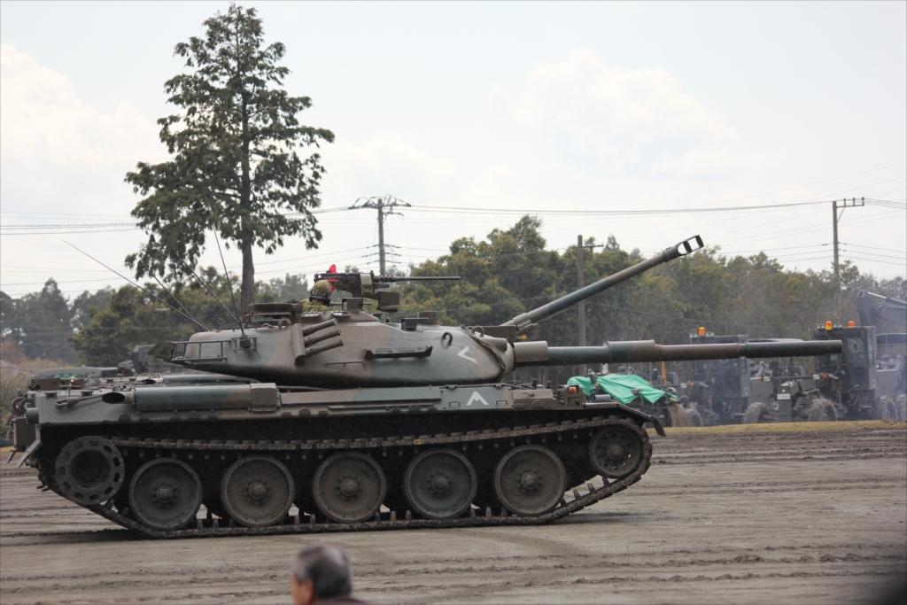 再度戦車の登場_13