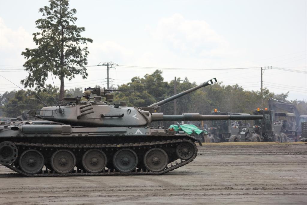 再度戦車の登場_15