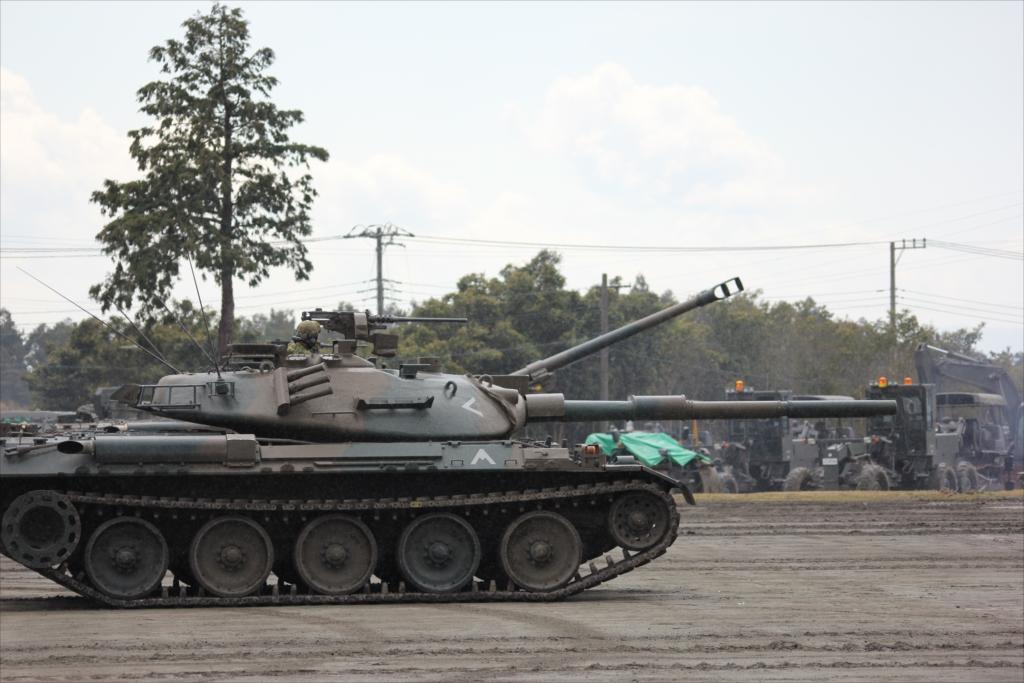 再度戦車の登場_16