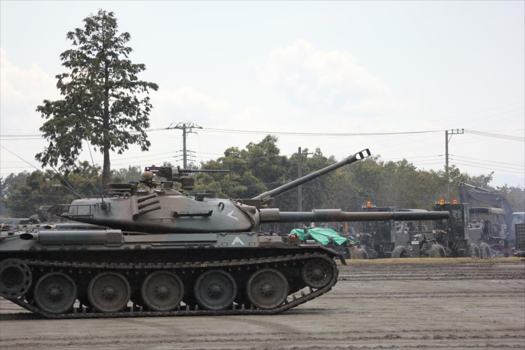 再度戦車の登場_17