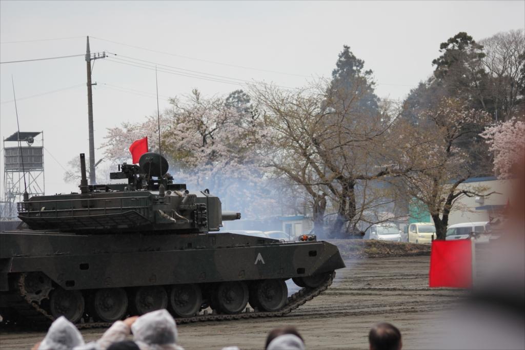再度戦車の登場_23