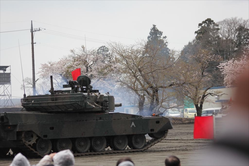 再度戦車の登場_24