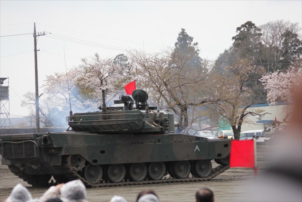 再度戦車の登場_25