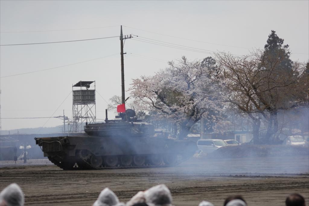 再度戦車の登場_29