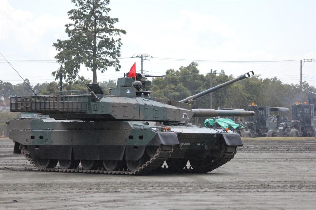 最新鋭の10式戦車出動_28