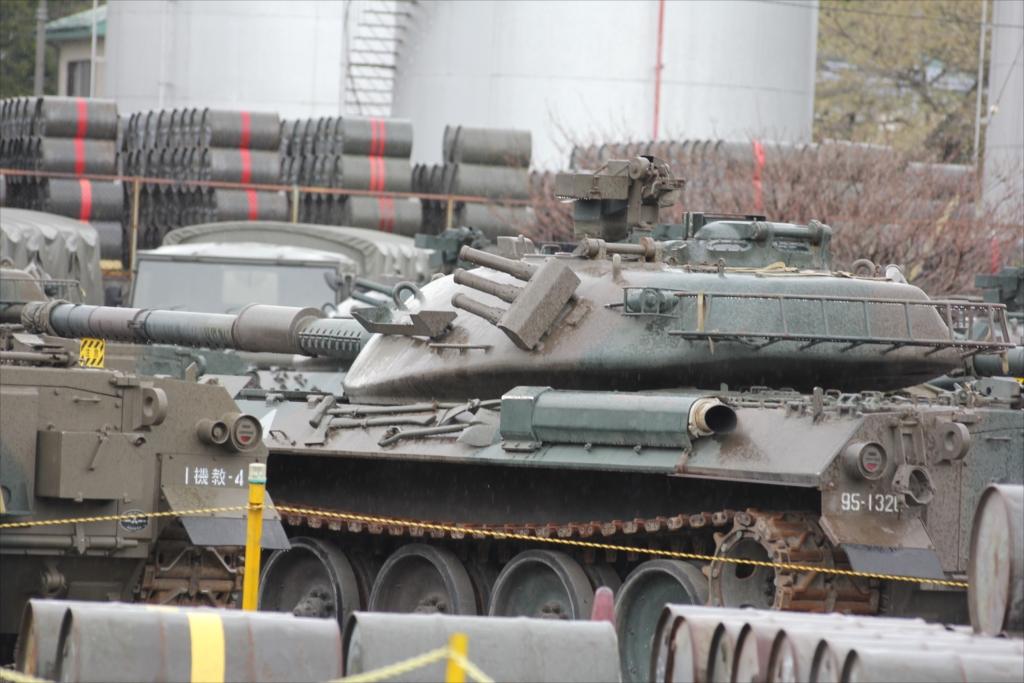 戦車がごく普通に駐車してあった_2