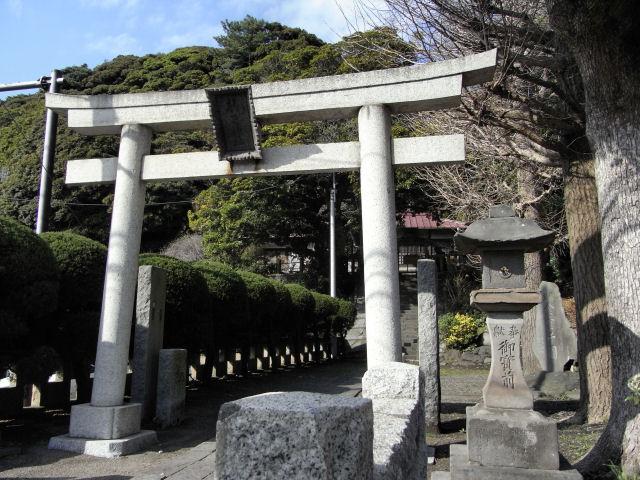 龍口に残る旧龍口明神社