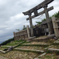 yahikoyama_torii1.jpg