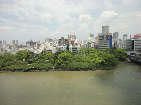 天満橋で大川より北側の眺め