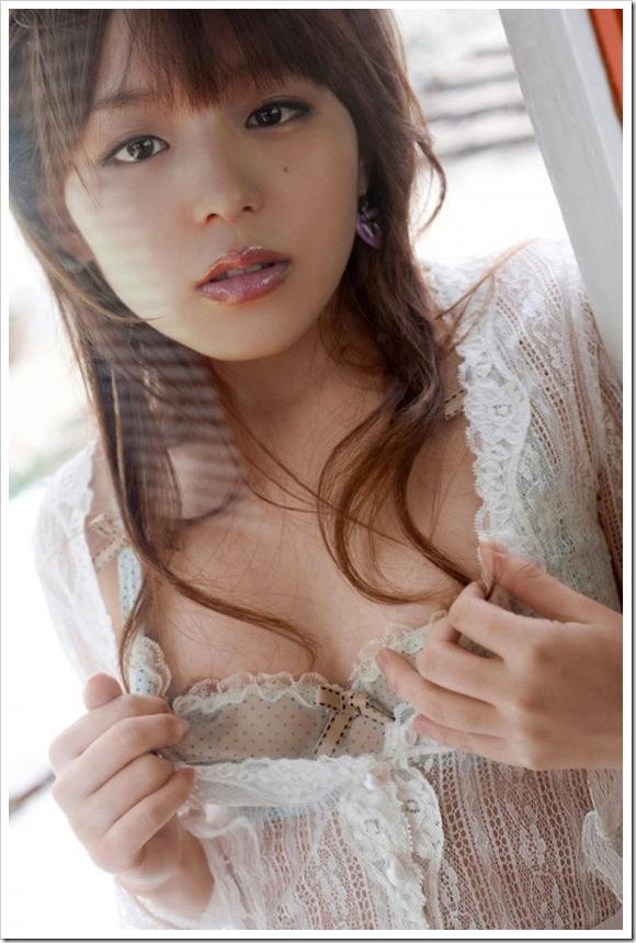 【平野綾(タレント)】お宝美乳おっぱい全裸下着アイコラヌードエロ画像・TV カラオケ 動画