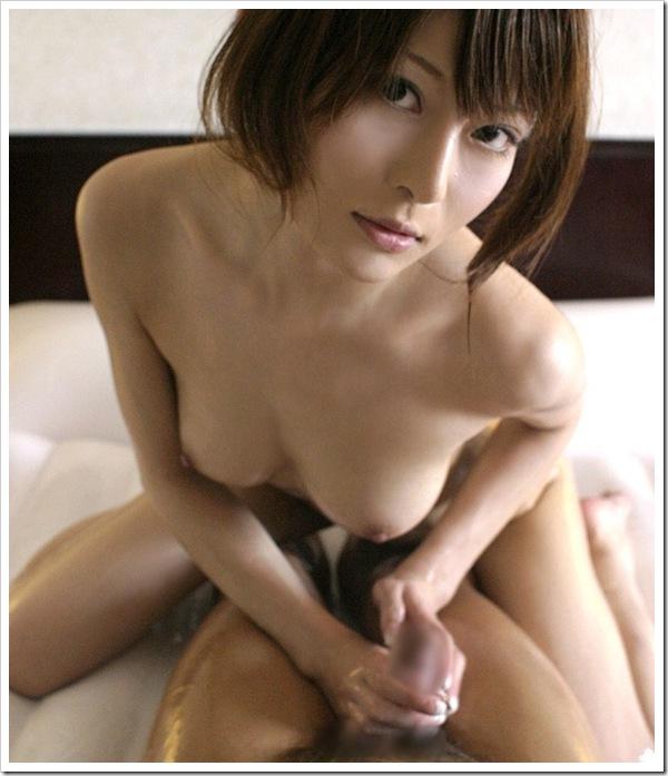 美人の中出しローション濡れ濡れセックス画像