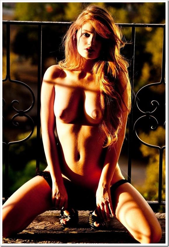 【金髪外国美人】お宝巨乳で乳輪大のフェチ的全裸
