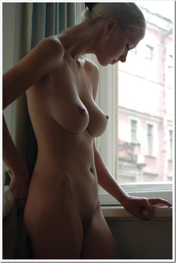 【金髪美人】お宝全裸ヌード乳首