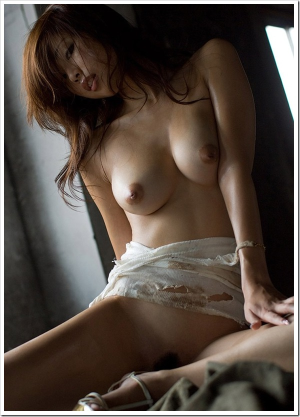 【クールビューティ】萌えギャル女性の美乳おっぱい