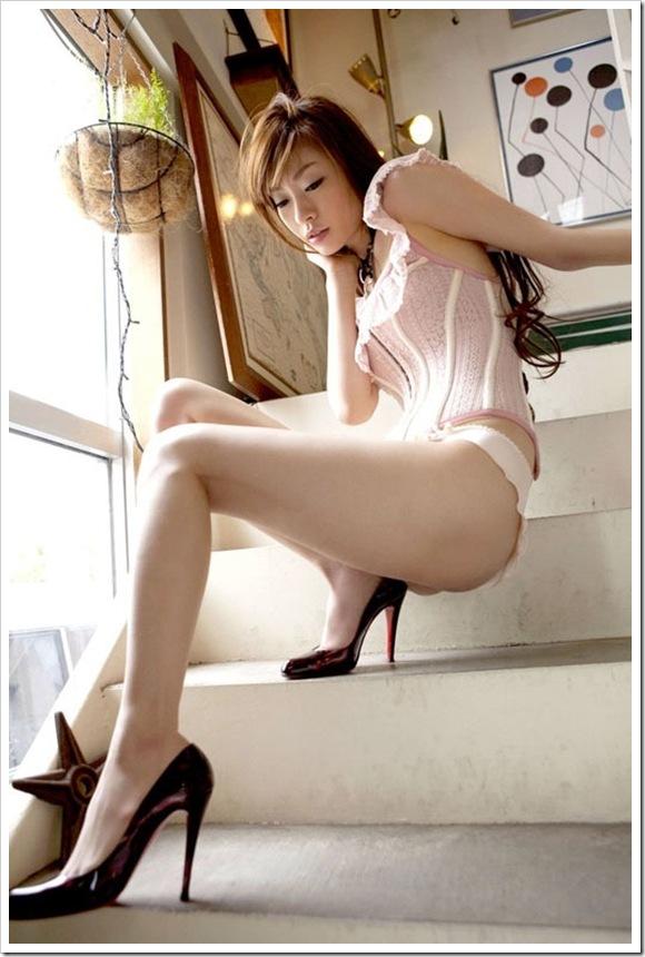 【彼女の美脚】お宝全裸ヌードより細長つるつるすべすべ