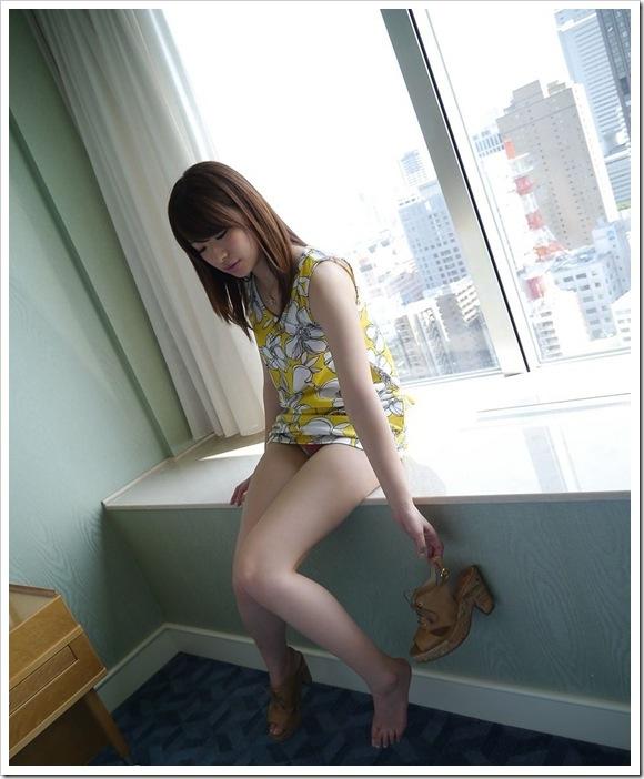 【初美紗希(女優)】色白美肌の乳首美乳