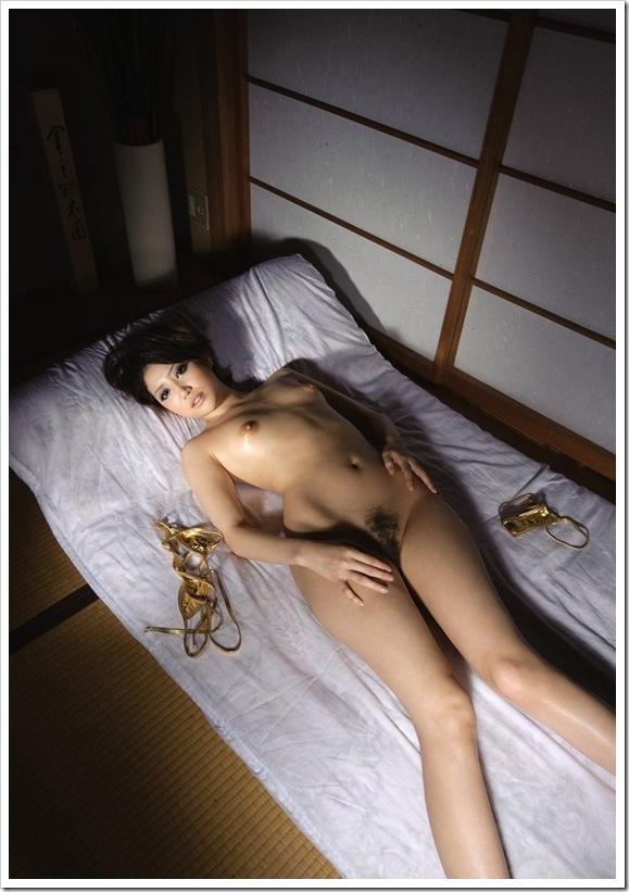 【優希まこと(さんまとセックス告白)】乳輪全裸ヌード